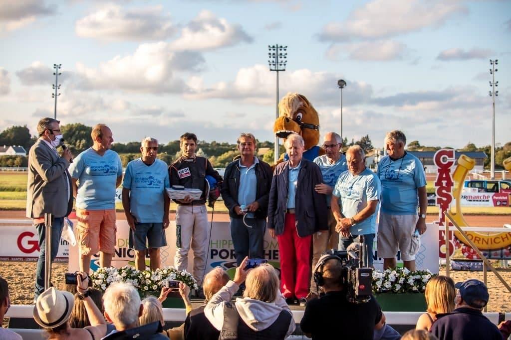 Enfants Cancers Santé était à l'honneur dans la 4ème course de trot attelé